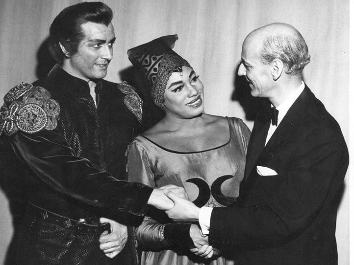 Corelli con Leontyne Price e Rudolf Bing ne Il trovatore - New York,  Metropolitan, 27/01/61 (Archivio Metropolitan Opera)