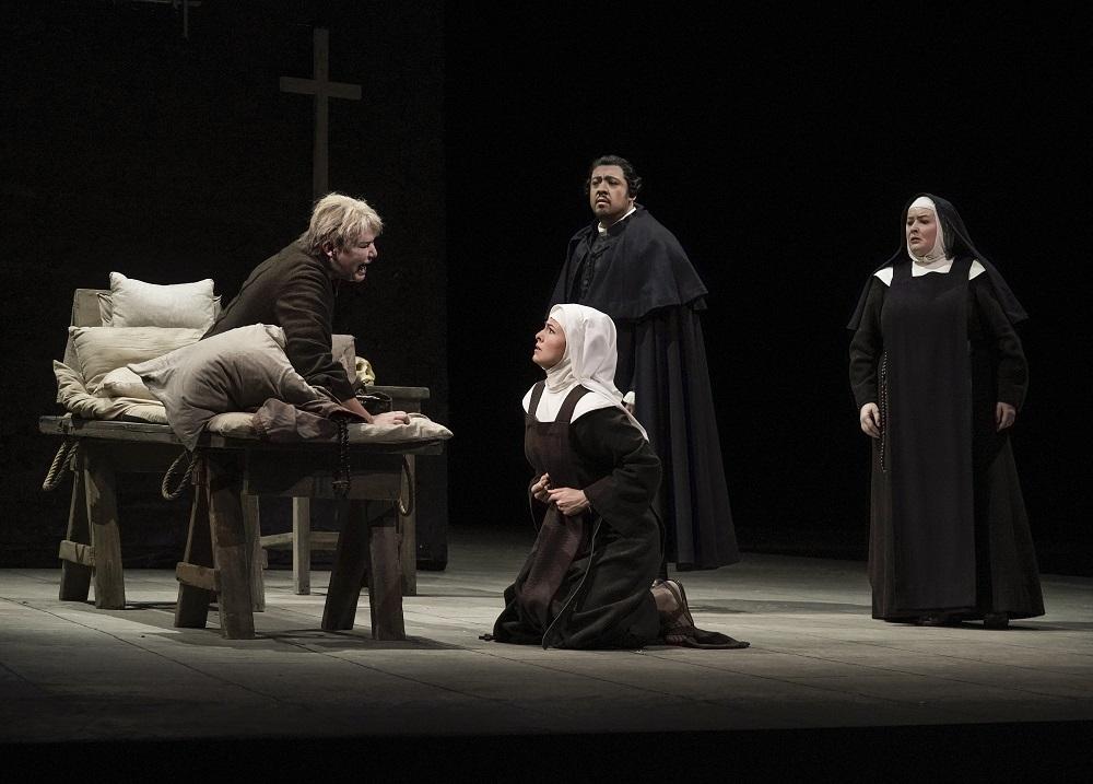 Karita Mattila, Isabel Leonard, Paul Corona, Karin Cargil - ph. Ken Howard / Met Opera