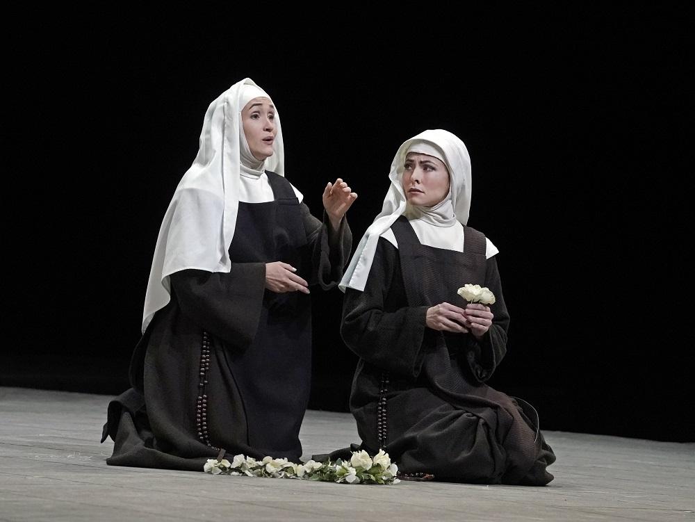Erin Morley, Isabel Leonard  - Photo: Ken Howard / Met Opera