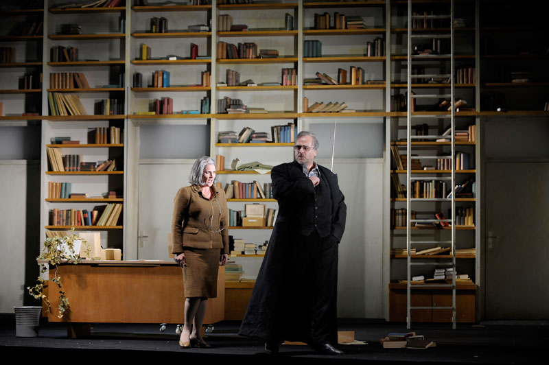 Deborah Humble (Erda) - Hamburg Staatsoper - foto Monika Rittershaus
