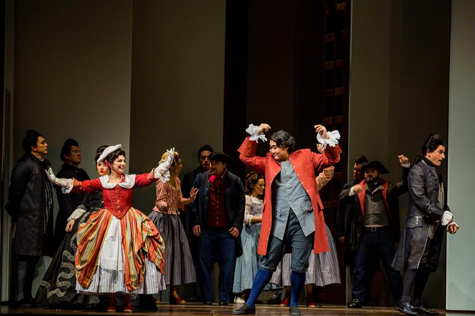 Nuccia Focile (Susanna), Shenyang (Figaro) and Morgan Smith (Count Almaviva), in
