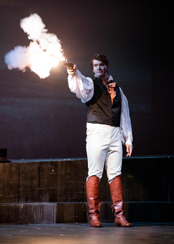 Michael Adams (Eugene Onegin). Philip Newton photo.