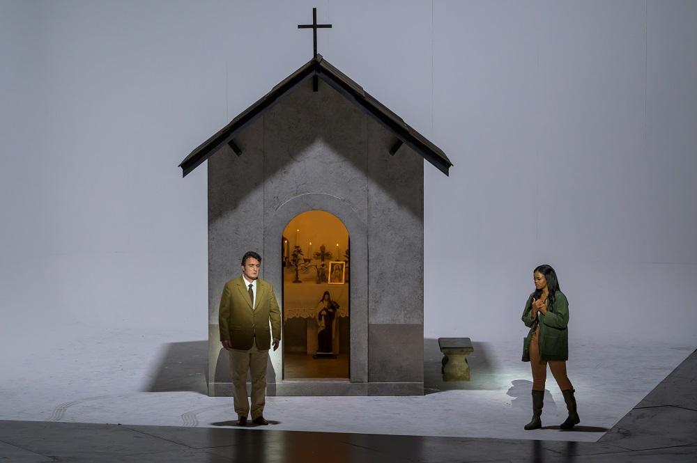 Pretty Yende (Violetta Valéry) et Ludovic Tézier (Giorgio Germont) - ph. Charles Duprat / Opéra national de Paris