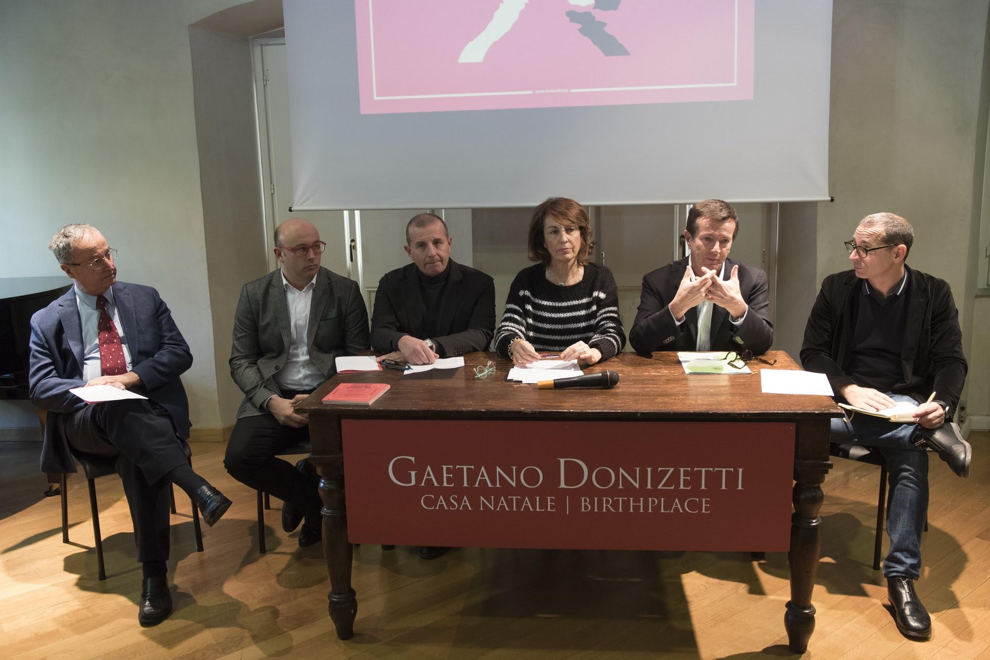 da sinistra: Paolo Fabbri, Riccardo Frizza, Massimo Boffelli, Nadia Ghisalberti, Giorgio Gori, Francesco Micheli (ph. G. Rota)