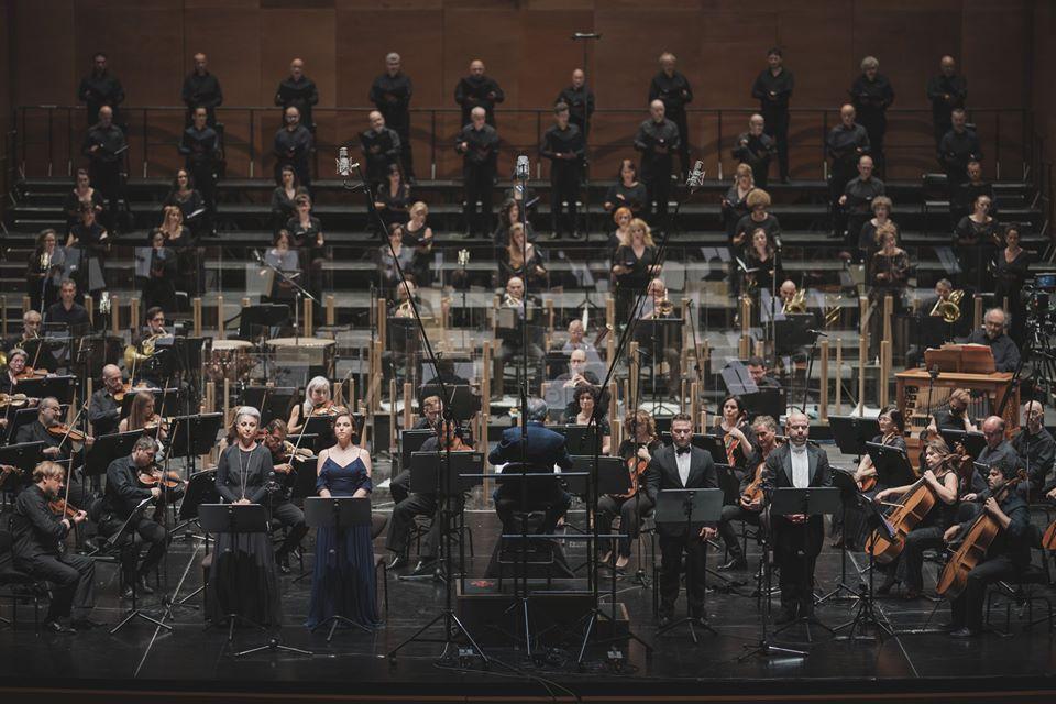 Il palcoscenico nel suo complesso (foto Michele Monasta)