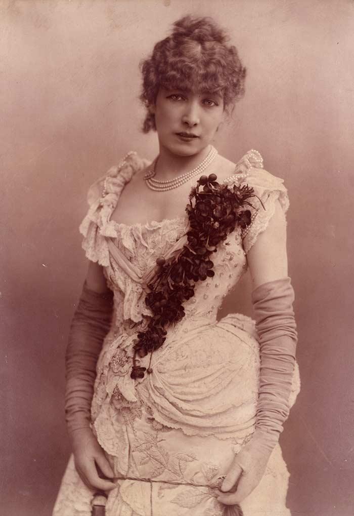Sarah Bernhardt grande interprete de Le Passant, commedia teatrale dalla quale venne tratto Zanetto