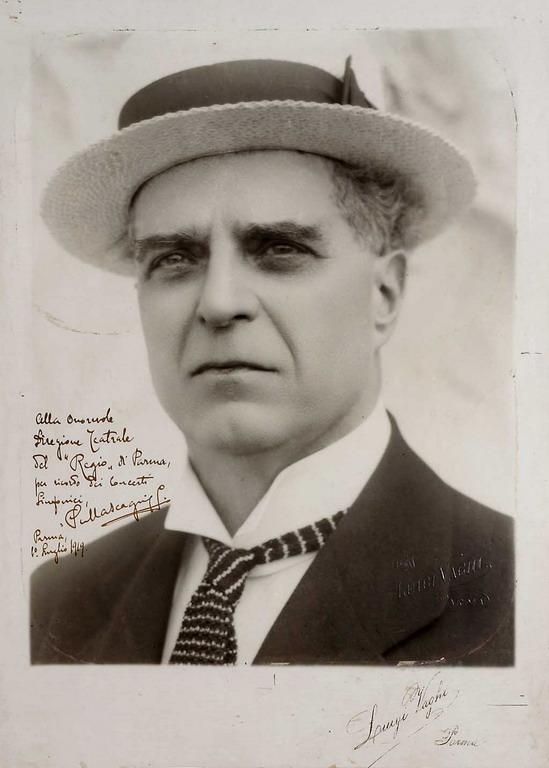 Pietro Mascagni in una foto con dedica alla Direzione del Teatro Regio di Parma - credit Casa della Musica di Parma